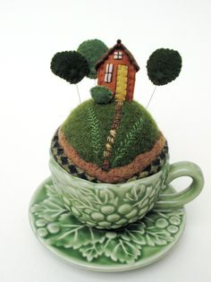 Forest Tiny World Pincushion. I have a little mushroom sauce boat that would be perfect for a tiny world like this! on etsy Wet Felting, Needle Felting, Felt Crafts, Diy Crafts, Sewing Crafts, Sewing Projects, Tiny World, Needle Book, Wool Applique