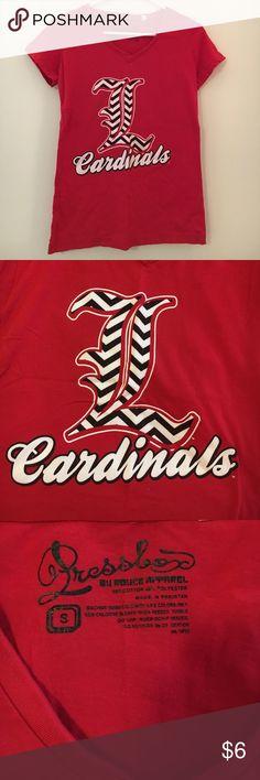 LOUISVILLE CARDINALS tshirt red chevron Louisville Cardinals v-neck; size small; never worn Tops Tees - Short Sleeve