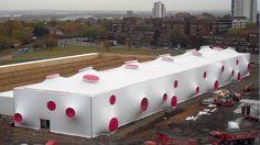 Royal Artillery Barracks : des structures provisoires au design avant-gardiste - Serge Ferrari
