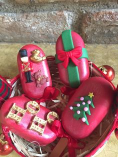 Christmas Cake Pops, Christmas Deserts, Christmas Chocolate, Christmas Drinks, Christmas Treats, Paletas Chocolate, Chocolate Treats, Magnum Chocolate, Magnum Paleta