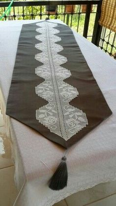 This Pin was discovered by Esr Crochet Quilt, Crochet Cross, Crochet Tablecloth, Filet Crochet, Crochet Doilies, Crochet Decoration, Doily Patterns, Table Covers, Beautiful Crochet