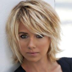 Coupe de cheveux tres courte pour femme