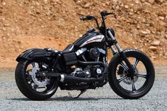 Dyna Street Bob all black