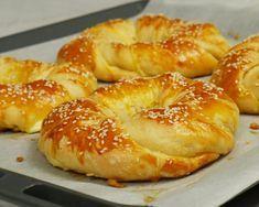 Ιδιαίτερα τυροκουλούρια – foodaholics.gr Cookbook Recipes, Cooking Recipes, Bread Dough Recipe, Around The World Food, Tasty Videos, Greek Cooking, Dessert Dishes, Baking And Pastry, Greek Recipes