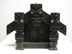 Maori Carved Vintage Model Whare Tiki Music Box Old New Zealand Tiki Faces, Paua Shell, Vintage Models, Old And New, Kitsch, New Zealand, Bookends, Folk Art, Arts And Crafts