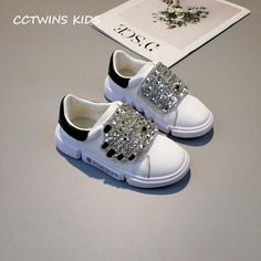 Trendy sneakers with sequins and rhinestones. Kids Clothes Sale, Kids Clothing, Clothing Stores, Kids Shoe Stores, Kids Fashion Photography, Toddler Girl Style, Casual Sneakers, Kid Shoes, Accessories