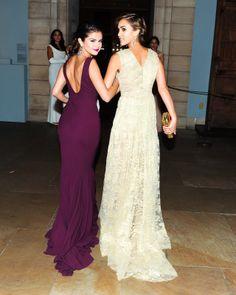 SELENA GOMEZ FASHION STYLE alongside Jessica Alba