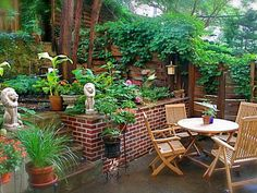 Tropical Patio Garden Ideas with Wooden Outdoor Furniture Design and Beautiful Green Plants