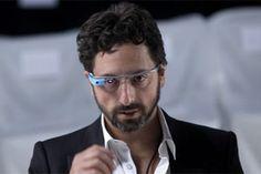Google-Mitgründer Sergey Brin trägt seine Google-Brille schon in der…