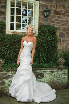 Sweetheart Mermaid Chapel Train Train Taffeta Wedding Dress With Ruffles