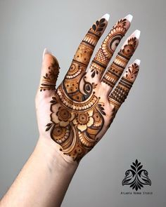 Mehndi Design Girls which is for especially for the younger girls and for this Festive Season and for also the wedding season. These are the best Mehndi Design Girls. Mehndi is an important part of our Culture. Palm Henna Designs, Palm Mehndi Design, Simple Arabic Mehndi Designs, Mehndi Designs Book, Mehndi Designs 2018, Stylish Mehndi Designs, Mehndi Designs For Girls, Mehndi Designs For Beginners, Mehndi Design Photos