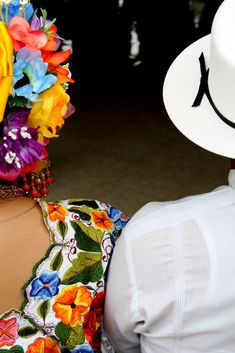 Trajes típicos de baile en Yucatán, México de Selva