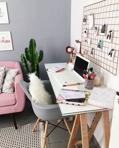 Small Home Office Ideas For Men & Women (Space Saving Layout) – Home Office Design Layout Study Room Decor, Cute Room Decor, Bedroom Decor, Bedroom Ideas, Home Office Design, Home Office Decor, Office Ideas, Men Office, Desk Ideas