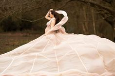 Dusty pink parachute dress on a pregnant lady in the woods in London - bespoke maternity shoots by Susan Porter-Thomas Photography Maternity Shoots, Maternity Portraits, Maternity Photography, Maternity Dresses, 36 Weeks Pregnant, Pregnant Lady, Parachute Dress, Big Skirts, Hampstead Heath