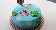 Angry Birds birthday cake for the little addict