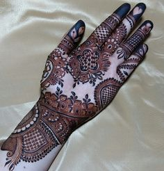 Image may contain: shoes There are different rumors about the real history of the marriage … New Bridal Mehndi Designs, Engagement Mehndi Designs, Mehndi Designs Feet, Mehndi Designs Book, Khafif Mehndi Design, Mehndi Designs For Girls, Mehndi Designs 2018, Dulhan Mehndi Designs, Mehndi Designs For Fingers