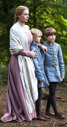 Rebecca Ferguson as Elizabeth Woodville in The White Queen - 2013