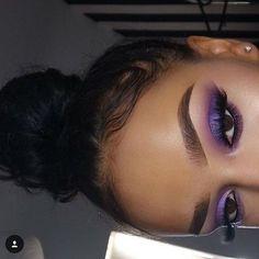 Gorgeous Makeup: Tips and Tricks With Eye Makeup and Eyeshadow – Makeup Design Ideas Makeup Eye Looks, Purple Eye Makeup, Cute Makeup, Gorgeous Makeup, Purple Eyeshadow Looks, Purple Makeup Looks, Simple Makeup, Natural Makeup, Navy Eyeshadow