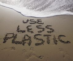 Want to keep plastic pollution out of our oceans? There's an easy solution: Use less plastic. #plasticpollution #beachpollution #oceantrash #marinedebris #uselessplastic #disposableplastic #avoidplastic #greenliving #sustainability #environment #beach #activism
