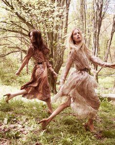 Chloe Fall 2011 Campaign | Sigrid Agren, Malgosia Bela, Arizona Muse & Zuzanna Bijoch by David Sims: LOVING THE SNAKESKIN PRINT!