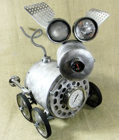 'Jalopy' - found object robot assemblage made by Reclaim2Fame (Will Wagenaar)