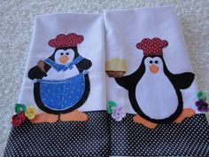 2 panos de prato em tecido de sacaria 100% algodão, com aplicação à máquina do tema pinguins. R$ 37,00
