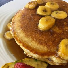 #HOTELS #SWD #GREEN2STAY MAUI COAST HOTEL   Dessert for breakfast? Yes please!  Enjoy these delicious Banana Fosters Pancakes at 'ami 'ami bar & grill!   [photo by cafeolei_maui on Instagram]http://bit.ly/1SCw7nt  http://green2stayecotourism.webs.com/usa-eco-hotels