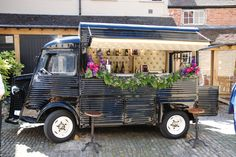 Bar de Cru is a mobile cocktail bar that rolls in a restored Citroen H van in the UK. It's a portable party and cool ride! #bardecru