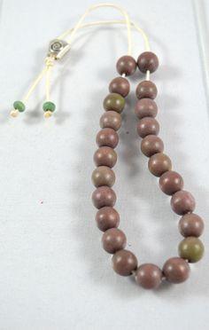 Worry bead with chaki wooden beads -Greek komboloi @ 14.90€