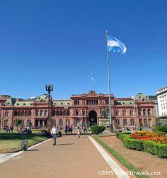 The Casa Rosada from Plaza de Mayo Buenos Aires www.mrbelltravels.com
