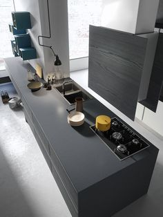 Da Ar-Tre cucine componibili classiche e mioderne in svariate finiture e con un'estesa gamma di moduli. A Roma trovi Ar-Tre da Realprogetti sas Granite Kitchen, Kitchen Cabinets, Fix Fix, Raised Panel, Grey Wood, Panel Doors, Countertops, Home Furniture, The Originals
