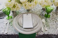 Green, white and silver Great Gatsby Wedding, Glamorous Wedding, Glitter Wedding, Floral Wedding, Wedding Styles, Wedding Tips, Wedding Stuff, Art Deco Wedding Invitations, Modern Art Deco