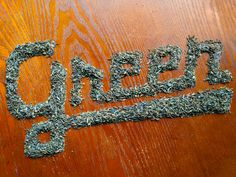 Ohio-based designer and illustrator Danielle Evans has created lettering using various food items to achieve art. Using loose items such as. Inspiration Typographie, Typography Inspiration, Graphic Design Inspiration, Creative Inspiration, Design Ideas, Food Typography, Typography Letters, Graphic Design Typography, Hand Lettering