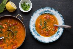 Chana dal soup with sweet potatoes and tomatoes. Recipe in english at the bottom of this page...