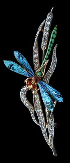 BENJAMIN BARDON & FILS Art Nouveau Dragonfly Brooch Gold Silver Enamel Diamond H: 2.6 cm (1.02 in) W: 6.7 cm (2.64 in) Marks: Numbered: '7144' Eagle's head & indistinct maker's mark French, c.1900