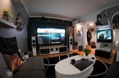 An Amazing Home Entertainment Arrangement - Image 01 : Cozy Modern Home Theater Arrangement Home Entertainment, Home Theater Setup, Home Theater Design, Movie Theater, Crazy Home, Video Game Rooms, Gaming Room Setup, Gaming Rooms, Home Tech