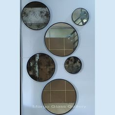 Antique Mirror Delicia MG 014367 >> Venetian Mirror Manufacture Wholesale Choosing Antique Mirror Delicia MG 014367 to complement your home wall decor is the right choice. Venetian Glass, Venetian Mirrors, Bubble Pack, Distressed Mirror, Convex Mirror, Mirrored Furniture, Round Mirrors, Home Wall Decor, How To Memorize Things