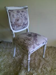 **SHABBY CHIC / VINTAGE CHAIR**