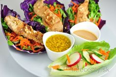 Všetky recepty Archives - Page 10 of 25 - FitRecepty The Cheesecake Factory, Healthy Appetizers, Healthy Recipes, Red Cabbage Salad, Sauces, Cashew Sauce, Vegetarian Cabbage, Chicken Wraps, Le Diner