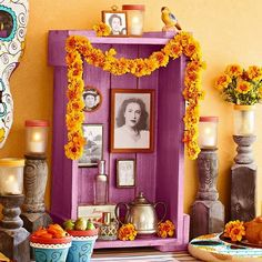 Ejemplos de altares de muertos ideales para espacios chicos Day Of The Dead Diy, Day Of The Dead Party, Holiday Crafts, Holiday Fun, 2. November, All Souls Day, Mexican Holiday, Thinking Day, Fall Halloween