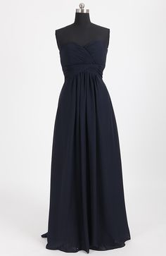 If you're looking for a feminine and graceful bridesmaid dress, this ruched sweetheart chiffon dress is a lovely option for you. As you can see, the sweetheart neckline gives a feminine look to your girls while the use of chiffon fabric makes your girls look slim and graceful. More colors are avaliable, orange, sky blue~~ Simply check here to get more details: http://www.outerdress.com/ruched-sweetheart-chiffon-bridesmaid-dress-pd-08118-12.html Style Code: 08118 $84 #Chiffon #BridesmaidDress