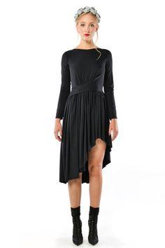 Cristina Patria Midi Black: wysmuklająca czarna sukienka