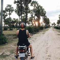 Scooters is the way to go when you travel, so much fun and you get to explore where ever the F you want. This was golden hour, so we were off into the sunset in Cambodia 🌅🏍 . . . . #cambodia #youtubers #vloggers #tourism #travelingram #travelblog #travelblogger #traveltheworld #instatraveling #instapassport #instago #outdoors #travelling #traveler #igtravel #traveller #tourist #discover #getoutside #exploremore #wander #exploring #optoutside #backpacking #letsgosomewhere #scooter