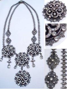 GRAND antique  VIctorian Necklace with  bookchain Paste brilliants Girandole drops