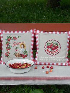 Друзья, наверное, вы заметили, что каждый год я вышиваю что-нибудь землянично-вишневое.Ох, и тянет меня к этой ягодной теме :). И, коне... Cross Stitch Kitchen, Cross Stitch Love, Cross Stitch Designs, Cross Stitch Patterns, Inna, Diy Pillow Covers, Sweet Cherries, Cross Stitch Embroidery, Creations