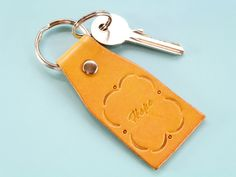 Want a happy inspirational gift? This handmade Hope leather key fob is a great leather gift for mom. Leather Bookmark, Leather Keyring, Leather Gifts, Handmade Leather, Motivational Gifts, Inspirational Gifts, Great Anniversary Gifts, Meaningful Gifts, Gifts For Mom