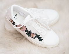 Embroidery is one of the biggest fashion this Also on shoes. 🌼 Thank you to for the picture. Big Fashion, Fashion Trends, On Shoes, 21st, Sneakers, Instagram Posts, Embroidery, Spring, Tennis
