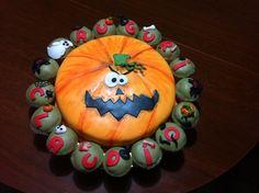 Che ne pensate di questa torta a tema #halloween? La nostra #cakedesigner #alescu l'ha realizzata con tanto amore ❤️ #buonpranzo da #ricettelastminute! #love #food #instafood #instagood #instaphoto #photooftheday #look #picoftheday #follow #cake #foodpics #sugarart #yummy #slurp #chocolate #eating #muffin #cupcake #followme #me #comment #orange #smile #pumpkin #instacool