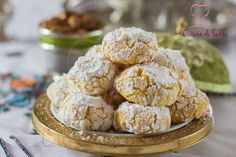 Ghriba noix de coco semoule, une délicieuse gourmandise Marocaine à déguster à l'heure du thé, économique et très facile à réaliser.