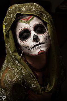"""La Calavera Catrina (""""Elegant Skull""""), icon of the Mexican Día de los Muertos, or Day of the Dead. Sugar Skull Makeup, Sugar Skull Art, Sugar Skulls, Maquillage Sugar Skull, Fantasy Sketch, Dead Makeup, Day Of The Dead Skull, Mexican Art, Fantasy Makeup"""